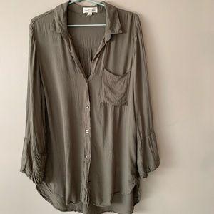 Cloth & stone green button down blouse